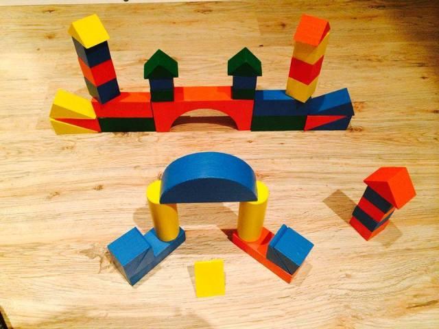 Деревянные игрушки — замок