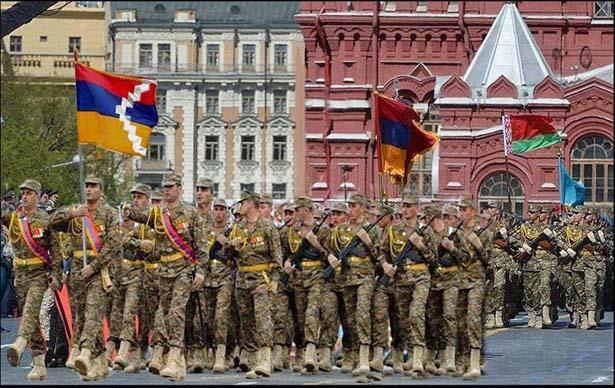 Флаг Карабаха на параде