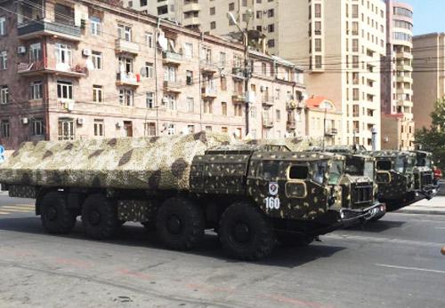 искандеры на параде в Армении