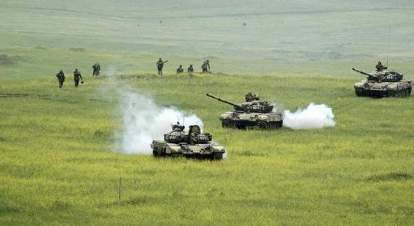 Уничтожены 14 азербайджанских танков