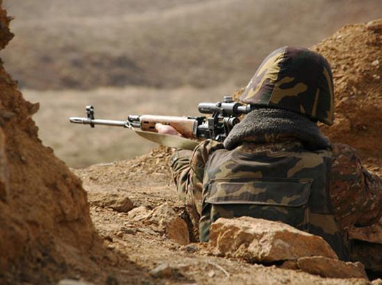 Карабахский солдат на посту