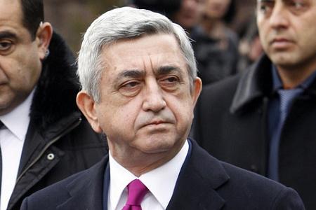 Серж Саргсян полетел в Нагорный Карабах, чтобы ознакомиться с ситуацией