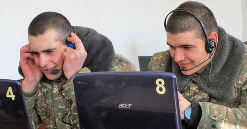Военнослужащие в НКР